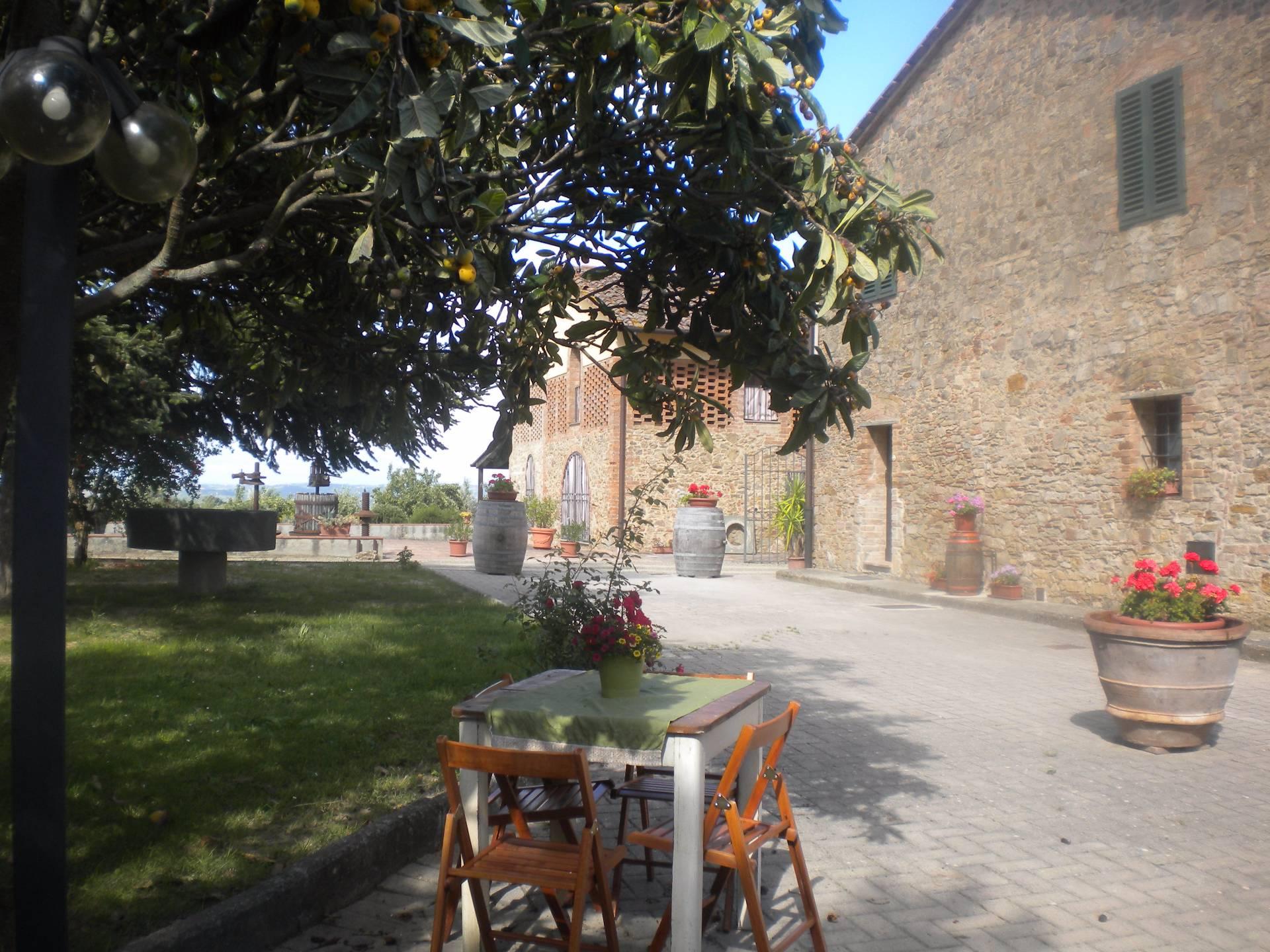 Gambassi Tavoli E Sedie.Appartamento In Affitto A Gambassi Terme Catignano